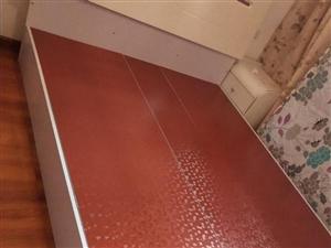 由于要置换1.2的床,现将以下2?1.5米九成新床低价转出,有意来电13896811585.非诚勿扰