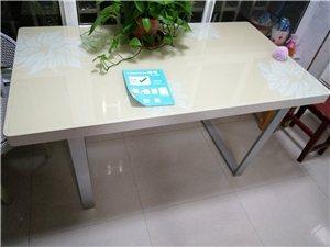 九成新餐桌,�\心�D�,�|量上乘。