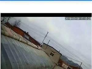 �出租出售 喀左七家村部后砖棚130米。出租出售。一吨粉料罐是新的。原来是养猪棚。三项电。新盖的住...