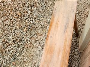 工厂用来坐过的条凳有20根左右,便宜处理