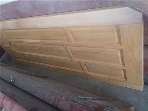 全新不帶框,以前賣2000的處理了,純實木門.各一張。