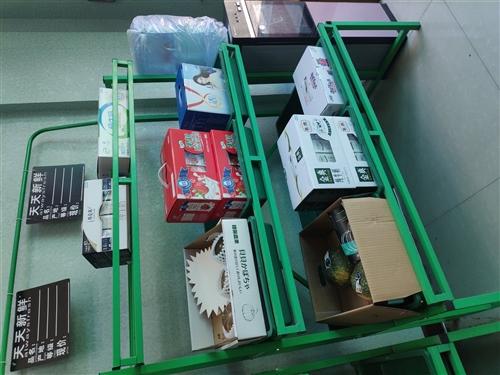 便宜处理水果架  九成新  三层货架两个