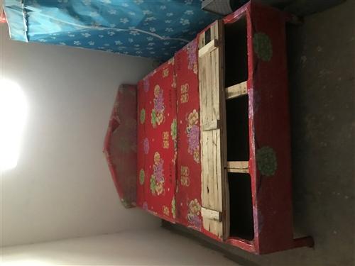 一米五床,虽然老,但是结实!买床送布衣柜!