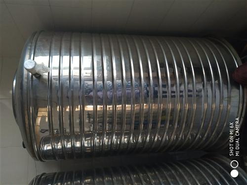不锈钢大桶  转让  直径80CM高130CM