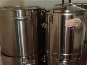 保温桶50升6个 钢桶45厘米3.0无磁6个 低汤灶2台,一个单眼三环,一个双眼三环 以上全部...