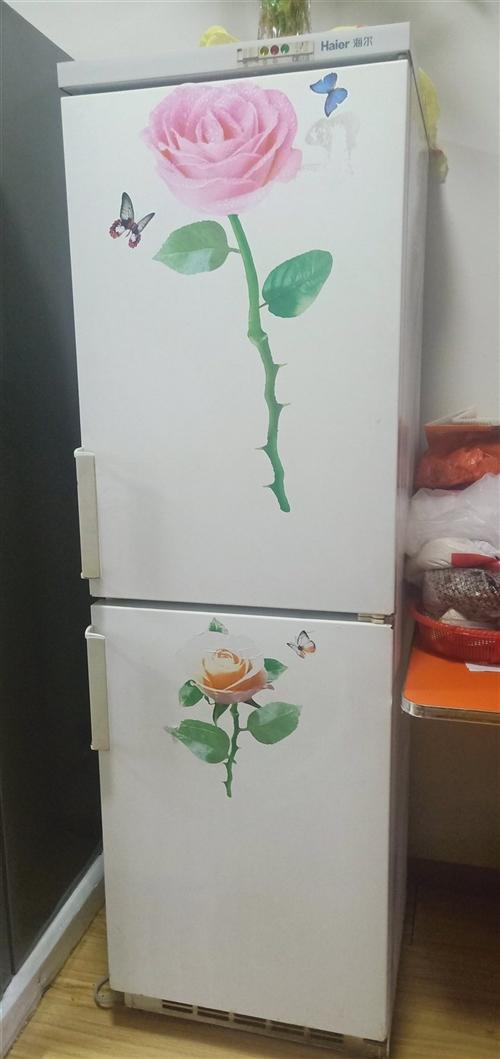 因为朋友搞活动送了一台冰箱,图片海尔老款冰箱准备转给需要的人,需要的200元自取 ,正常使用没问题,...