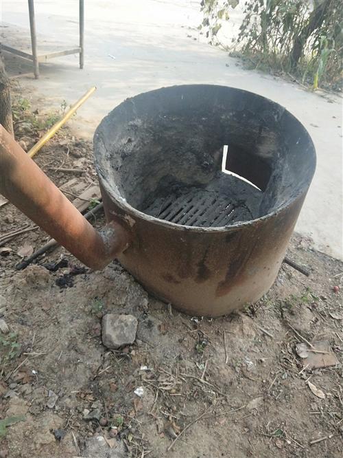 煮羊大锅,没怎么用过,九成新。方便实用。