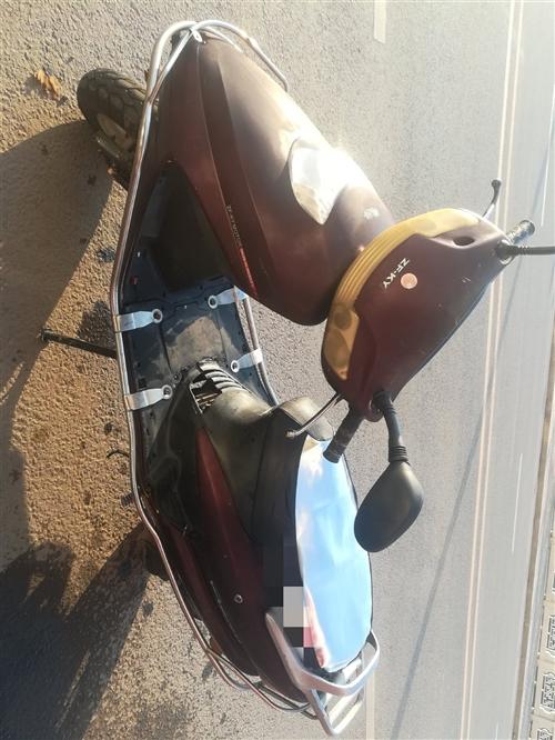 【出售】 【类型】:女装、男装摩托车 【规格】:助力车 【其他规格】:125 【价格】:28...