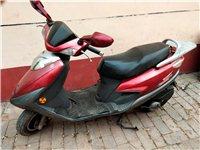 豪爵兰巨星125踏板摩托车,原装铃木发动机,动车强劲有力,车况很好没有一点毛病