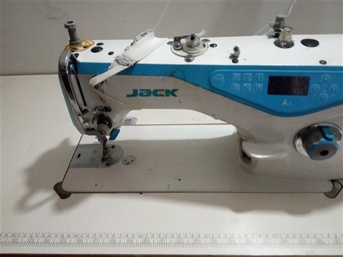 全自动电脑控制电动缝纫机,杰克A3,最新款式,货物在新县金水小区。