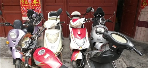 长期出售,回收各种摩托车。电动车,,,你有车子需要换电瓶吗超威,骆驼电瓶,上门服务