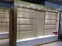 处理品牌内衣货柜,500元一节。电话13406646303