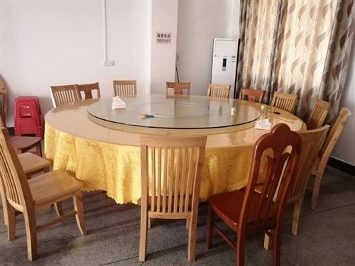 有2.8米非常结实耐用实木大圆桌转让,九成新!