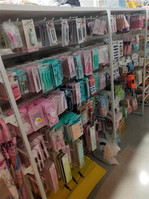 饰品店货架,九成新!可用于饰品店,超市货架,各种店里陈设用!有意者请致电!