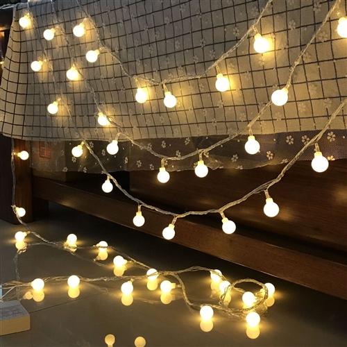 没有用完的彩灯串,用来装饰房间,店面,特价处理,**
