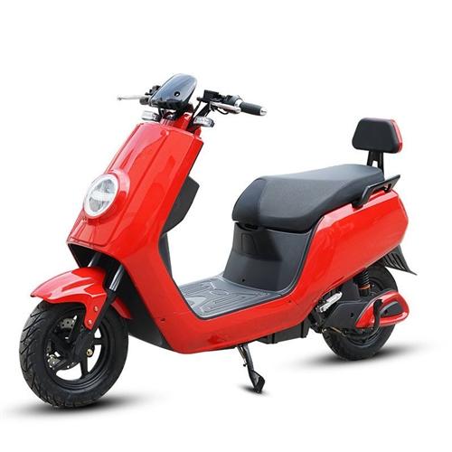 本人有一輛電動車紅色9.9成新(如圖所示)!暑假在家考駕照就騎了兩個月現在鄭州上牌在家里放著也是放著...