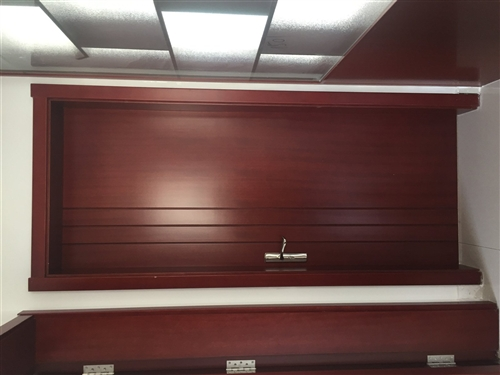 出售木森木門6扇,博古架1個,多功能儲物鞋櫥,一次沒用過,由于房子裝修風格和木門顏色不搭,所以出售,...