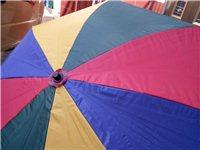 本人有一把7成新的遮陽傘是做生意用的,因我本人有事要外出所以這遮陽傘放在家里就是閑置了,想便宜出售。
