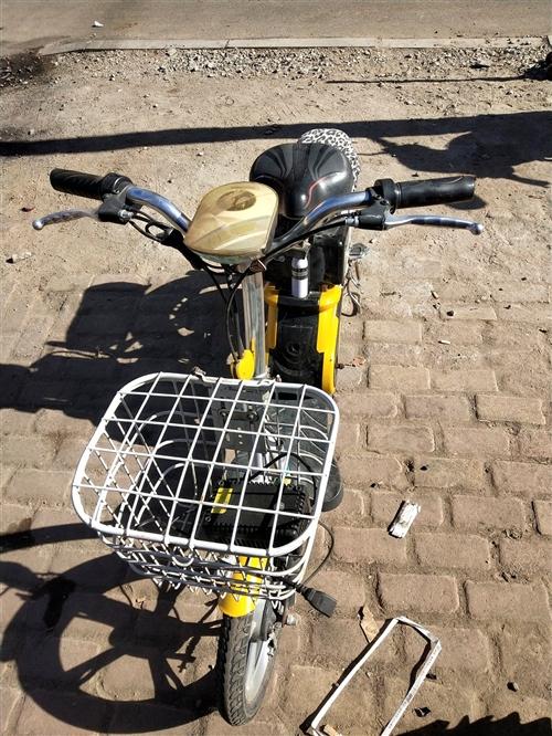 雅迪电动车  新电瓶用半年  轮胎新得  到手就骑