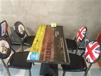 九成新,一共7套桌椅,桌子尺寸长120CM宽60CM,价格可以商量电话15132261736