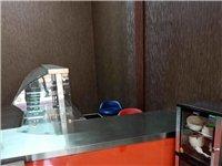 快餐所需的保温柜,桌椅餐盘餐具、消毒柜消毒筷盒。全部九成新。