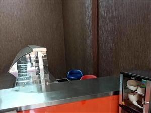 快餐所需的保�毓瘢�桌椅餐�P餐具、消毒柜消毒筷盒。全部九成新。