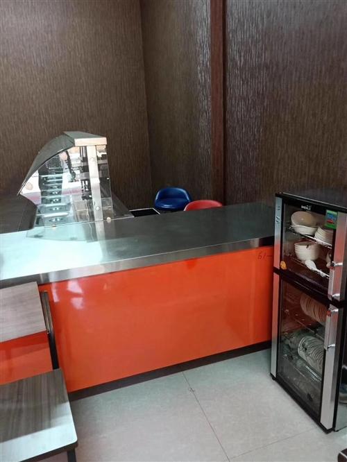 快餐所需的保溫柜,桌椅餐盤餐具、消毒柜消毒筷盒。全部九成新。