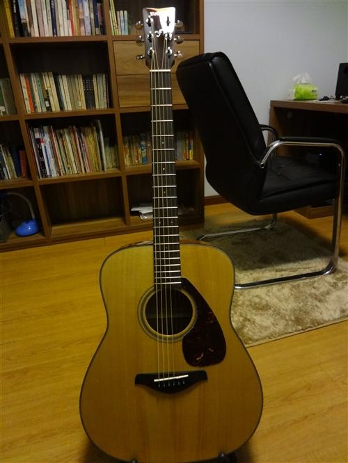 雅馬哈YAMAHA面單民謠吉他,型號FG700S,九成新,原價1700,琴太多了,縣城內需要的950...