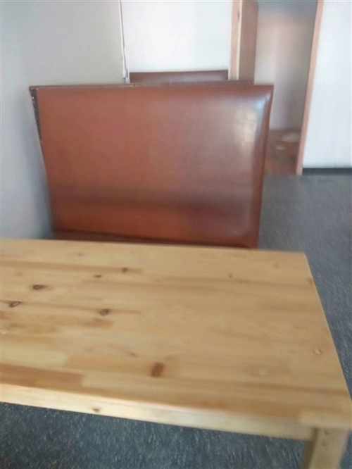 本人出售沙发跟椅子有需要的找我,联系我:15079728980