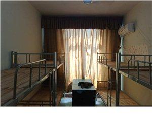 出售八成新�巫�、�p桌、方凳、�A凳、架子床