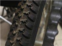 圣康牌輪椅 只用三次下樓骨折用,保存完好!無缺陷取得即用。95層新!輪,剎車,轉向等全好!
