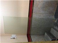 处理80×220厚度5mm的玻璃两块,齐都嘉园小区南门沿街