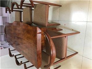一整套图片上有的家具出售全部总共只需3860,九成新,需要的抓紧时间下手,错过就没有了