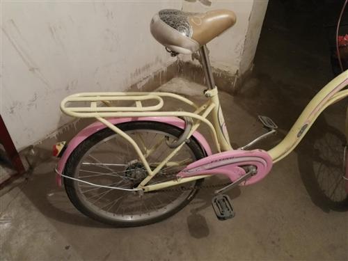孩子上初一買的自行車,騎了一個月不到,一直放在地下室。放了兩年,感覺多余,不如處理了。質量很好,買的...