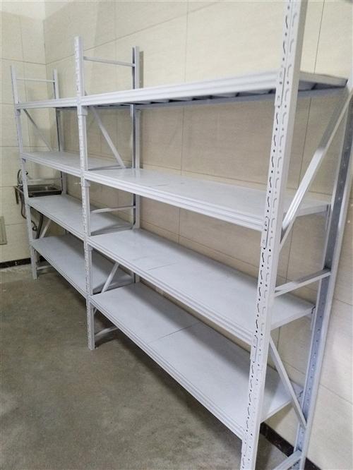 貨架買來**沒怎么用,店鋪沒開起來共兩組3米長一組4層貨架轉讓。有意者聯系13588687204