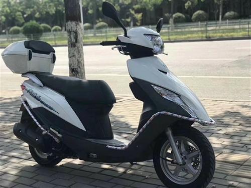 鈴木UU125出售! 鈴木uu國四電噴125踏板摩托車 19年7月買的,手續齊全,裸車8800,騎...