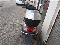 豪爵摩托车要卖,小跑二千二百八十四公里,有需要的朋友打电话,车在陆良随时可以看车
