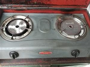 �t日煤�怆p灶�^�б慌f罐。正常使用,不黑�底。�f罐在煤�夤�司可折20元。
