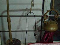 轉讓美容養生的美容床   美甲美睫紋繡用品,美甲桌,化妝品柜,美容養生套盒
