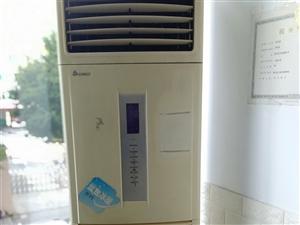 本店急售空调    因店铺大空调小    需要急售换大空调      要的请联系