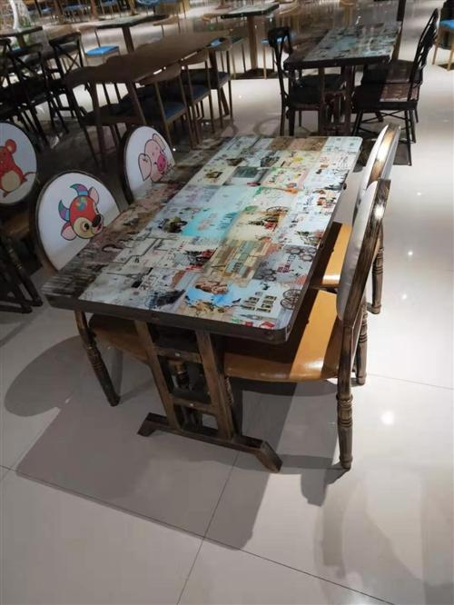 處理一批**快餐桌椅板凳,新的沒用過。