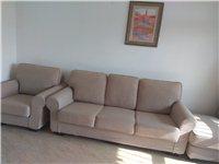 單+三+踏步,四干多的鄉村田園風格的沙發,本人不喜歡,低價拋'售,有九成新。需自提地址湖城綠洲一號樓...