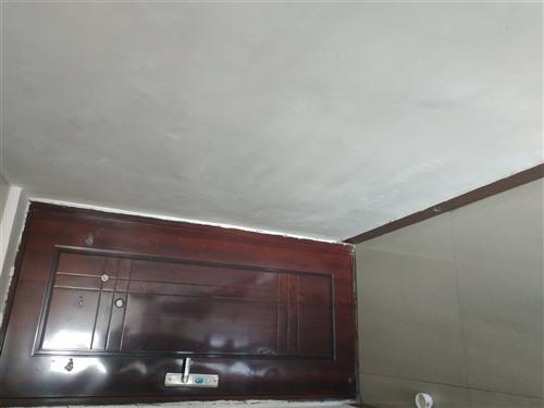 碧水云天小户型,30平毛坯,售价12.6万元,附近凌河小河,职高,实验中学。
