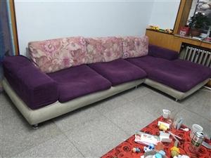 出售旧沙发,长两米一!