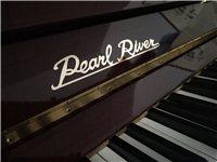 轉讓家庭閑置鋼琴一臺,國內一線品牌珠江鋼琴,型號120,棗紅色,沒怎么使用,無劃痕磕碰,保養得當...