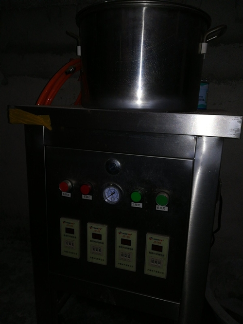 无锈钢全自动剥蒜机一台,220伏大功率空压机,都些买来只用不到一个礼拜,现在想便宜处理掉,价格面议。