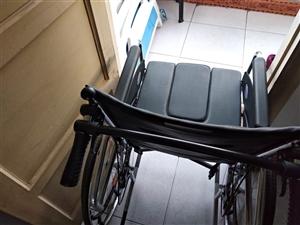 **�椅,康�湾���站立床,�P床病人用床。有需要的�系18137617243