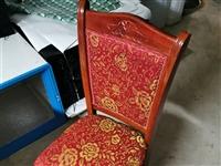 飯店桌子,椅子,門,空調,廚具,有需要的可以聯系19955641570