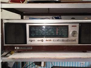 春雷3T9收音�C文革�r期�@��品牌,正常使用能收音外�^非常棒, 不想收藏了�D��o有�人,希望有人�⑺���...