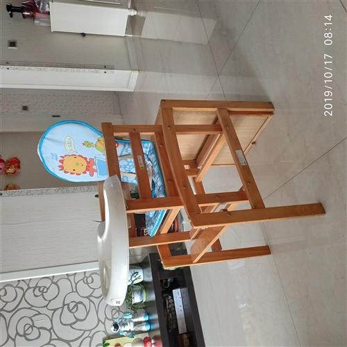 嬰幼兒飯桌坐椅,已拆卸自己組裝。有用的拿走,自提。可議價。